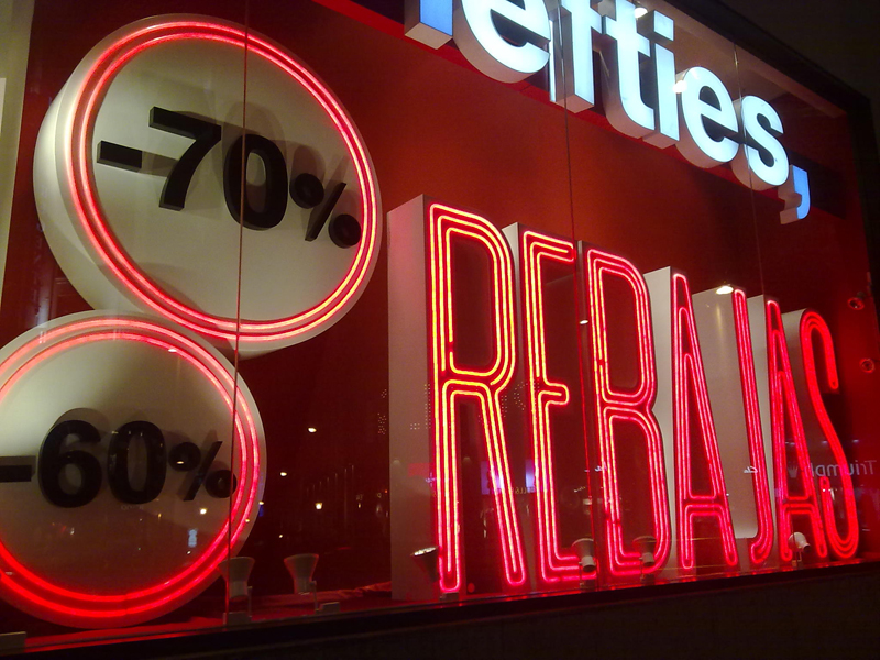 LEFTIES-REBAJAS-ESCAPARATES-VISUALMERCHANDISING-VISHOPMAG-3