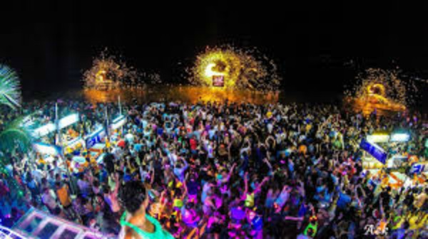 full.moon-party2