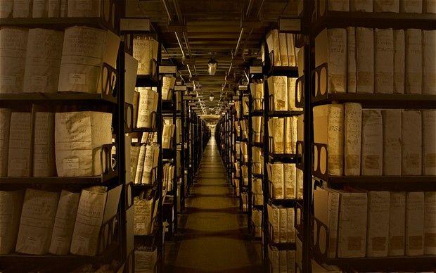 Archivos ocultos de Madrid. www.telegraph.co.uk - Desde 10€